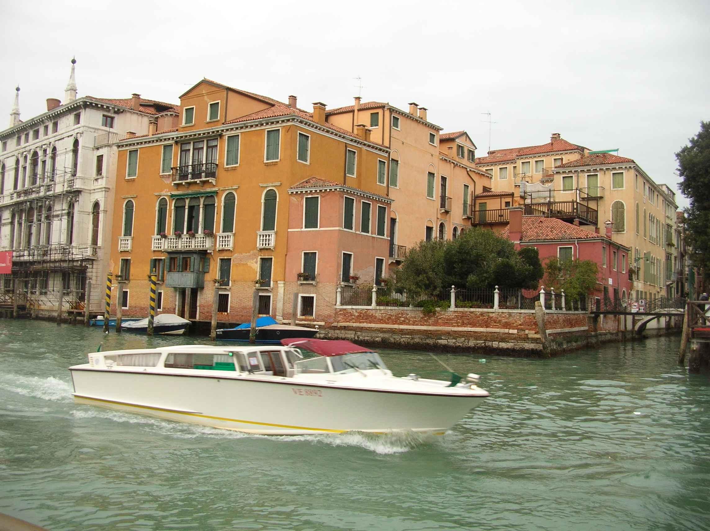 visite des merveilles de l 39 italie du nord venise. Black Bedroom Furniture Sets. Home Design Ideas